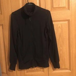 LuLulemon athletic top. (Size 6)